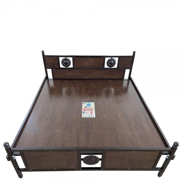 King Size Wooden Cot 6 X 6 1/4 Feet Designer